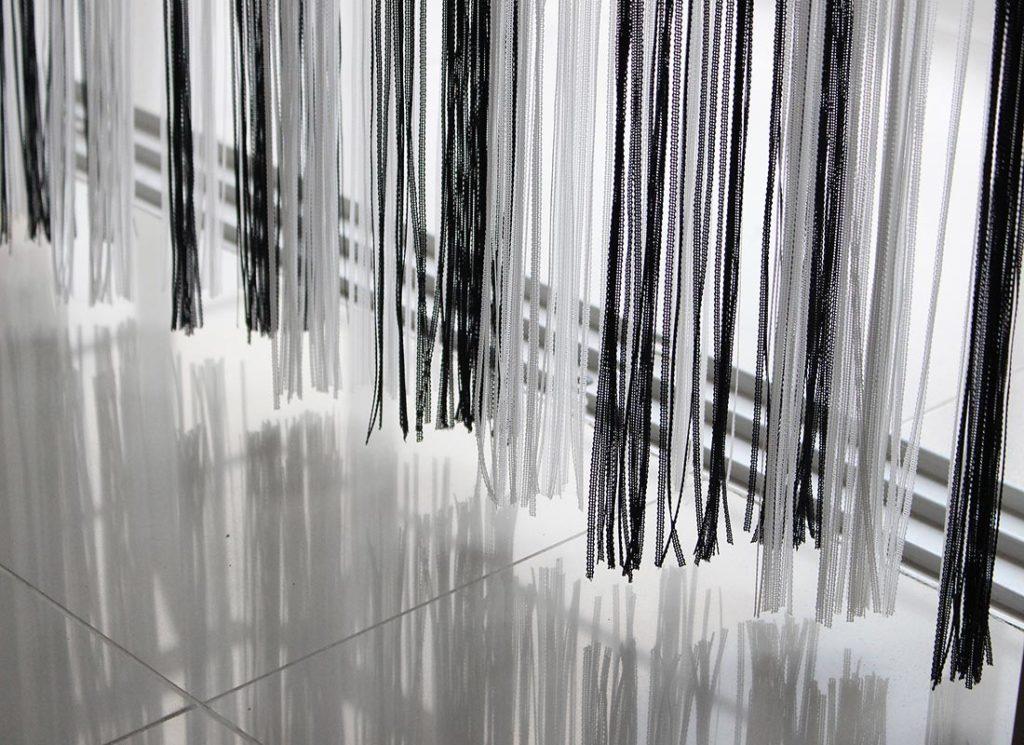 cortinas-strings-3